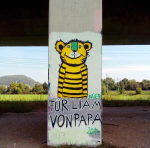 Bei Lörrach unter der Autobahnbrücke