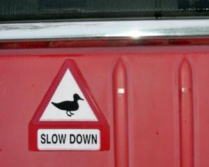 Aufkleber mit Ente auf einer CV2