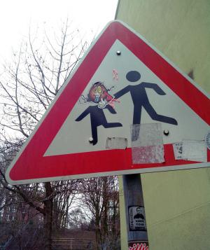 lustiger Unsinn: Verkehsschild Streetart